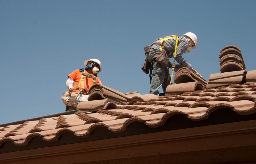 roofers-doing-roofing-in-sandy-springs-ga_orig